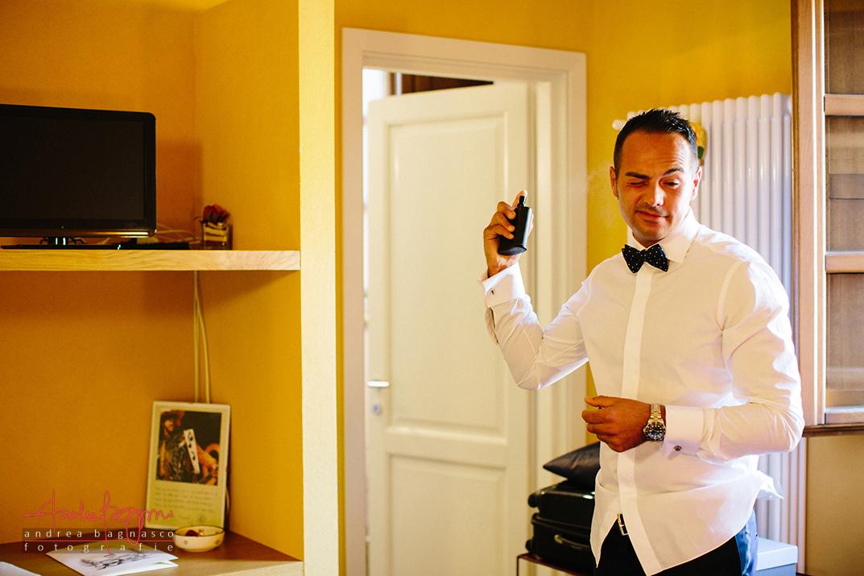 groom getting ready best italy wedding photographer