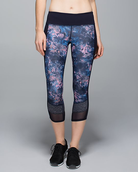 lululemon if you're lucky crop