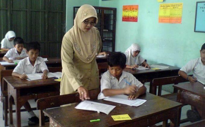 Contoh Puisi Perpisahan Untuk Guru Terbaru Pantun Puisi