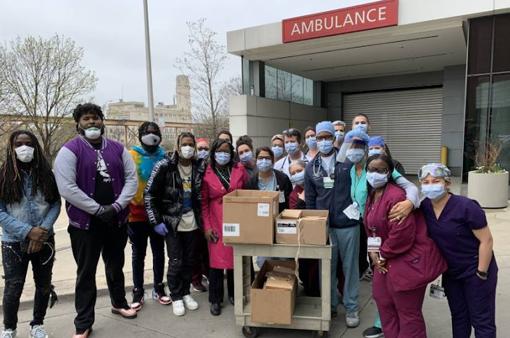 Lil Durk Give Meals To Medical Workers In Chicago
