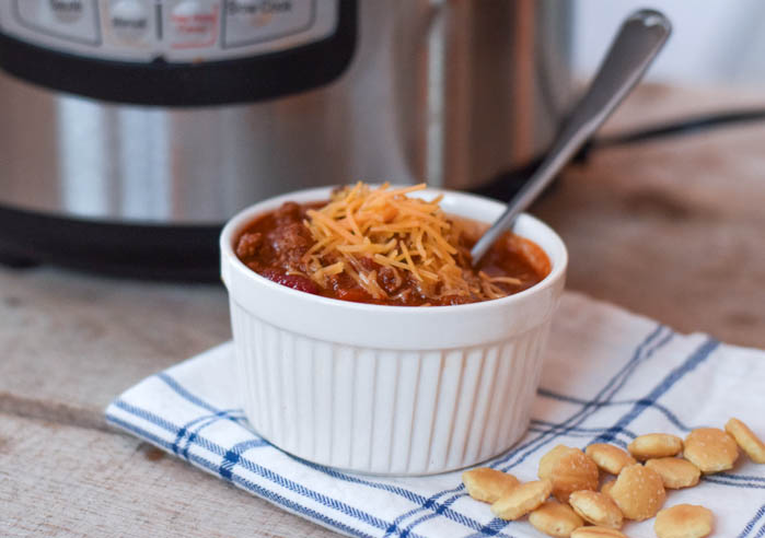 A delicious chili recipe that is easy to make in the instant pot for a family meal
