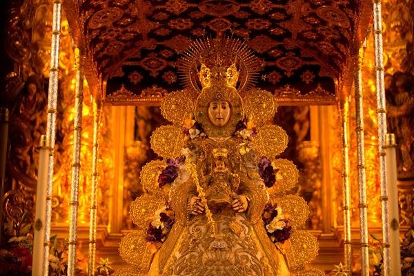 Virgen del Rocío, patrona de Almonte