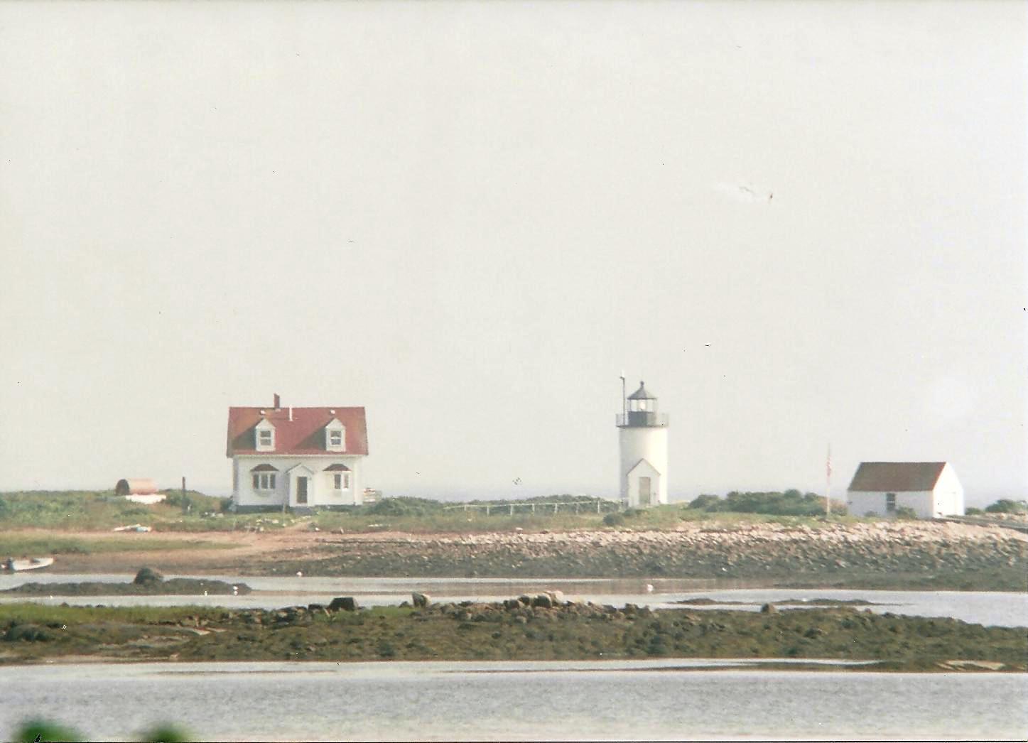 Goat Island Light history - NEW ENGLAND LIGHTHOUSES: A ...  Goat Island Lighthouse
