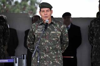 General ameaça intervenção militar se crise política persistir