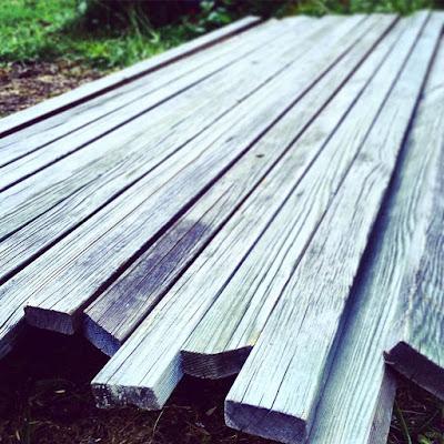 vanhat puut, lauta, harmaantuneet laudat,