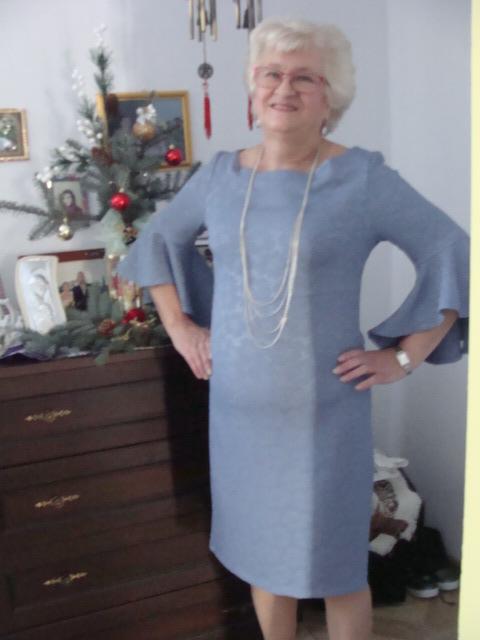 Jak skrócić spódnicę plisowaną?Sukienki świąteczne.