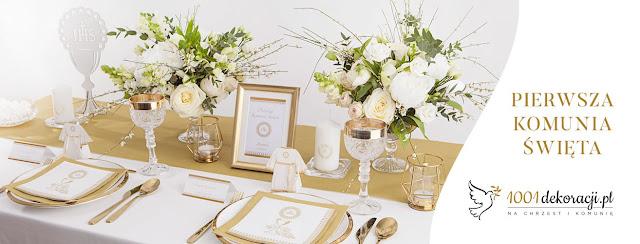 Piękne dekoracje stołu na Komunię dziecka z biało-złotej kolorystyce