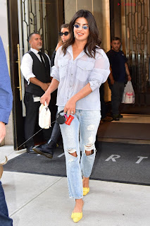 Priyanka Chopra in lovely Denim jeans and Transparent Top   .xyz Exclusive 008.jpg