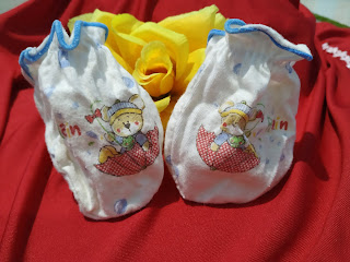 Penggunaan Sarung Tangan Pada Bayi