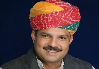 टिड्डी नियंत्रण के लिए आगे आये नवलगढ़ विधायक डॉ राजकुमार शर्मा। मुख्यमंत्री को लिखा टिड्डी नियंत्रण के लिए पत्र
