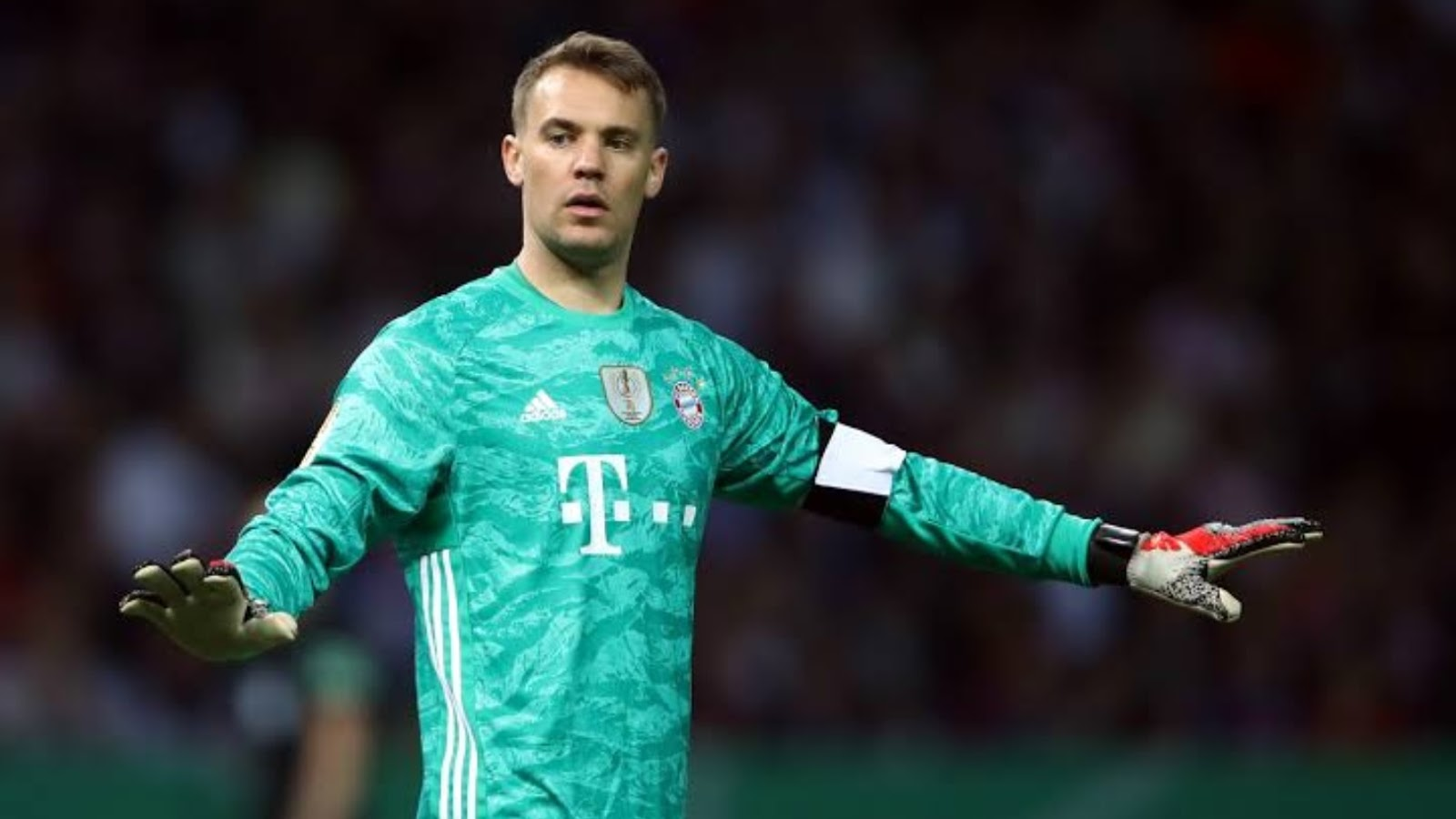 Manuel Neuer insurance policy for hands