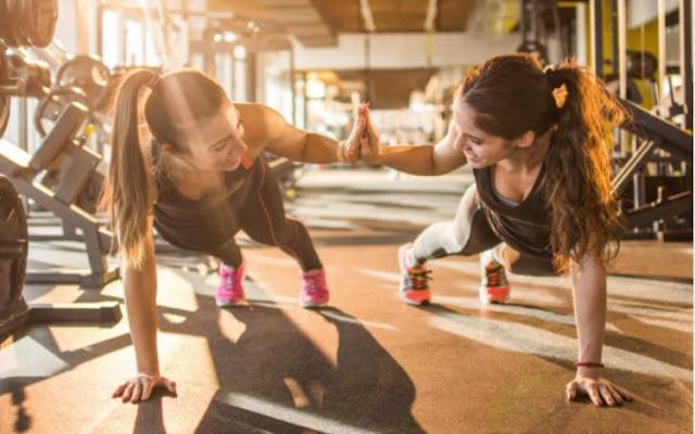 Tập thể dục vào ngày đèn đỏ: Nên hay không?