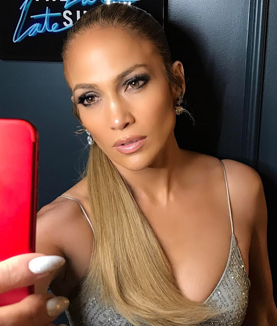 hot and sexy Jennifer Lopez