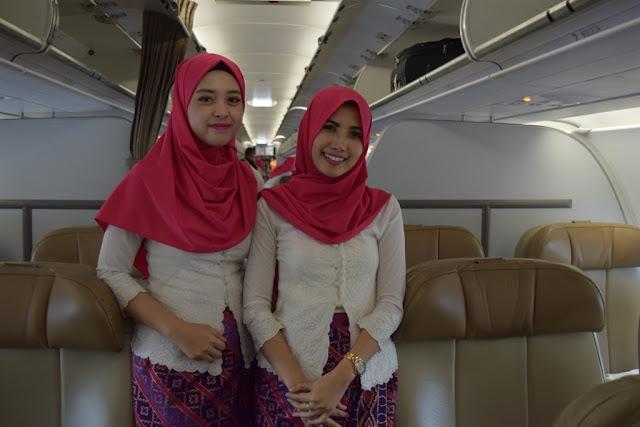10 HD Picture of Gorgeous Flight Attendant Batik Air