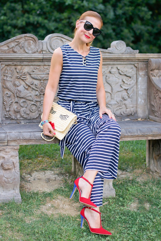 How to wear a striped overall