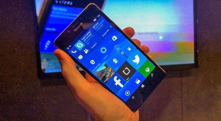 Microsoft has released a farewell update to Windows 10 Mobile on funeral day
