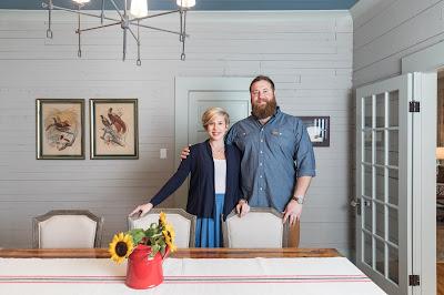 Erin e Ben Napier restauram imóveis antigos, devolvendo-lhes o lustro de outrora e criando comodidades atuais - Divulgação