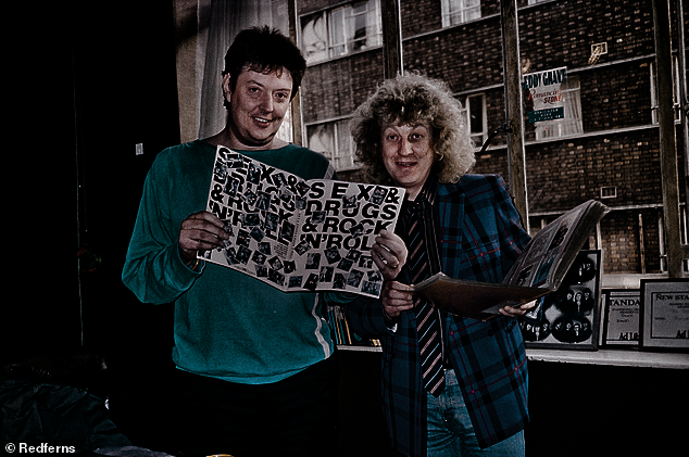NODDY HOLDER AND CHAS CHANDLER