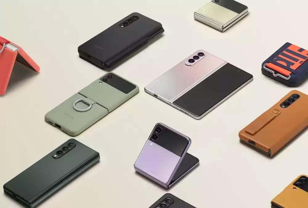 Samsung Z Fold3 5G or Z Flip3 5G