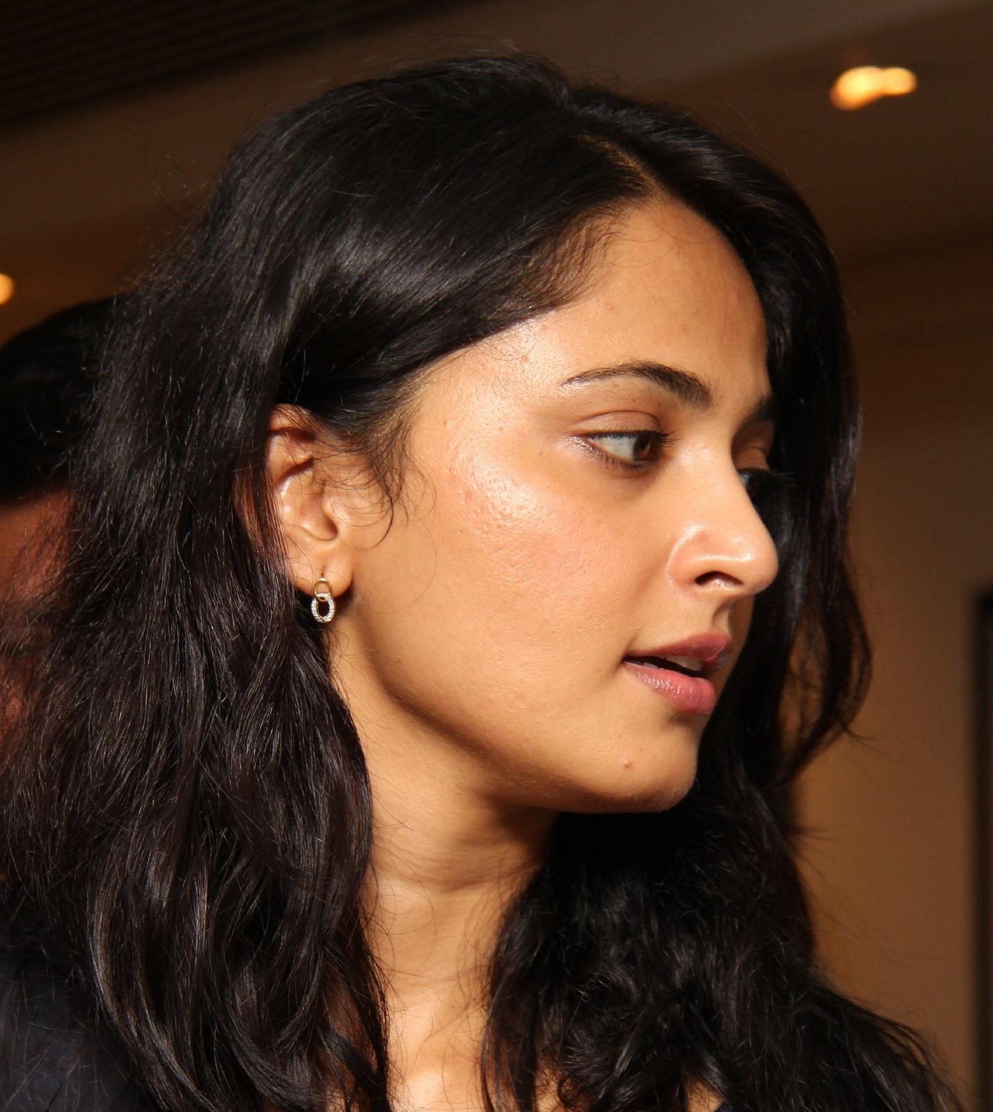 Anushka Shetty Gorgeous Oily Face Close Up Stills
