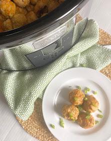 slow cooker buffalo chicken meatballs #sweetsavoryeats