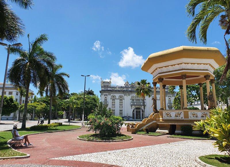 Praça Fausto Cardoso