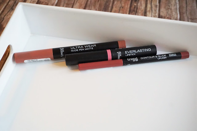 Contour & Glide Lipliner in 210, Ultra Wear Nude Pen Matte in 030, Everlasting Lipstick in 010