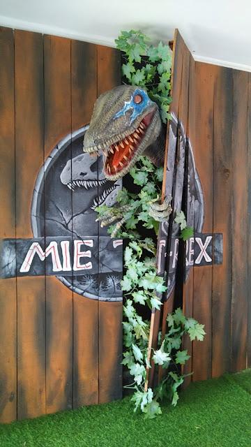 mie t-rex malang