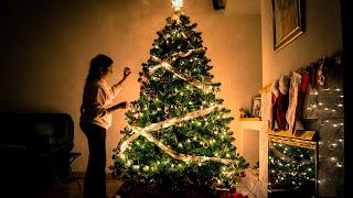 لماذا يتم وضع شجرة عيد الميلاد في العام الجديد