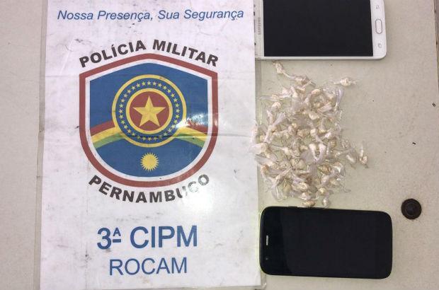 Goiana: Irmãos são presos com 77 pedras de crack