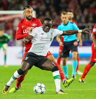 Sadio Mané, é um futebolista senegalês que joga  como ponta-esquerda. Atualmente, joga pelo Liverpool.