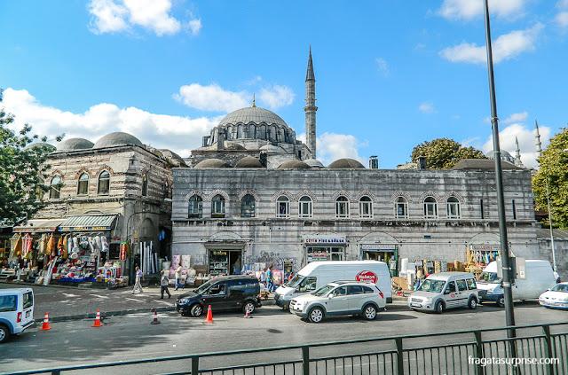Entrada do Bazar Egípcio de Istambul, Turquia