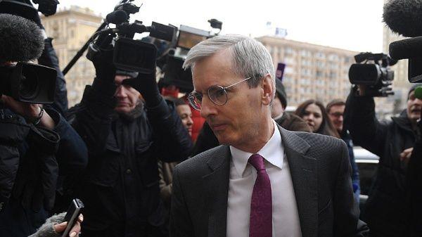 Rusia convoca a reunión al embajador de Reino Unido en Moscú