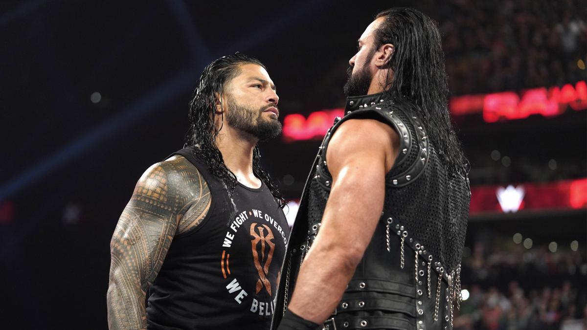 Roman Reigns e Drew McIntyre se confrontam no WWE SmackDown
