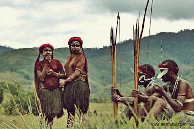 Pakaian Yokal, Pakaian Adat Papua