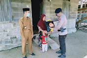 Dalam Rangka Hari Bhayangkara ke-74, Brimob Aceh Batalyon C Pelopor Trumon Bagikan Sembako Kepada Masyarakat