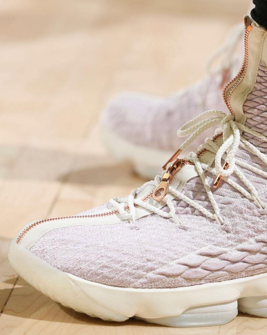 James New York: LeBron James Christmas Shoes 2017