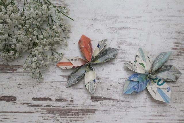 Geldschein falten Blumenkranz DIY Geldgeschenk Hochzeit Geburtstag Flower Power Eukalyptus Schleierkraut Jules kleines Freudenhaus
