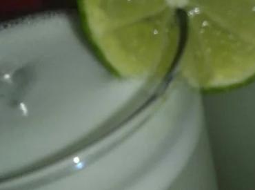 Como Fazer uma Delícia de Suco de Limão
