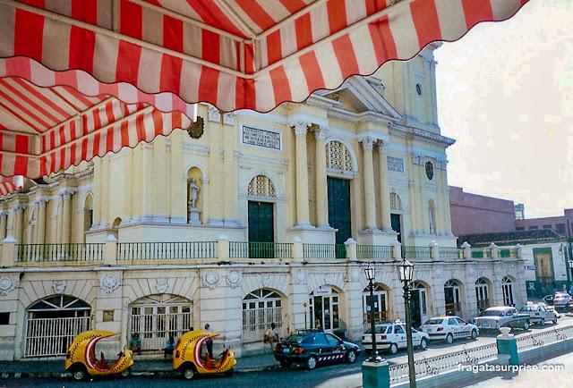 Catedral de Santiago de Cuba e Parque Céspedes