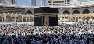 السعودية تعلَّق العمرة خشية وصول فيروس كورونا المستجد لمكة والمدينة