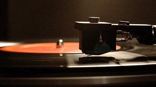 Los discos de vinilo superan a los CDs en ventas y eso no se veía desde los 80; la nostalgia es lo de hoy