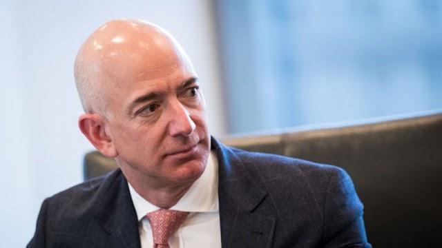 O 1°  Trilionário Jeff Bezos perde quase US$ 10 bilhões de patrimônio líquido em um dia. Veja.