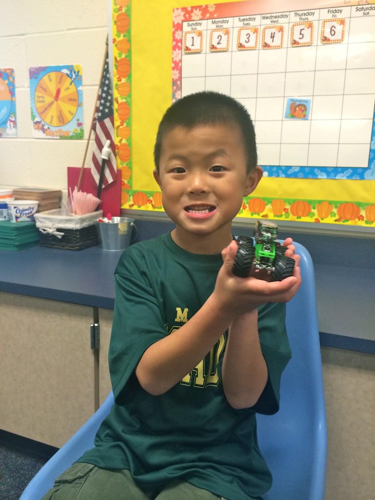 Muskegon Christian Kindergarten Class Show and Tell Letter G Nov 6