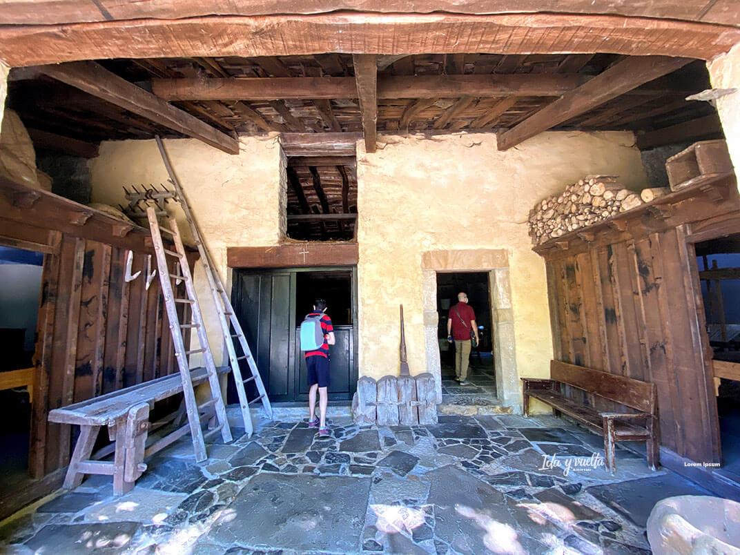 Museo del Pueblo Asturiano casa campesina