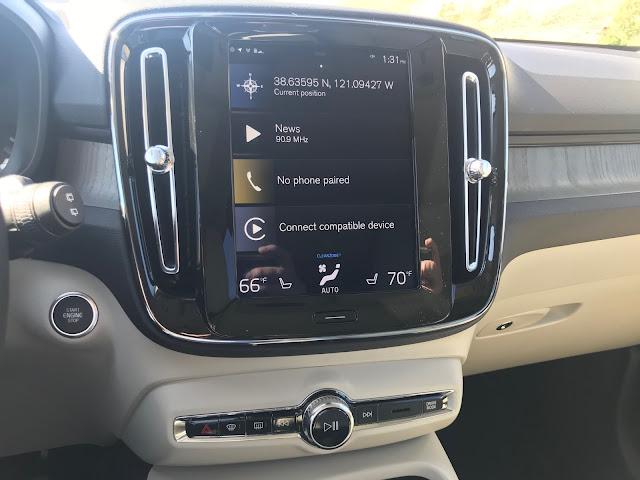 Touchscreen in 2020 Volvo XC40 T5 AWD Inscription