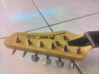 5.Tips Cara Bongkar dan memperbaiki Gitar listrik agar lebih keren