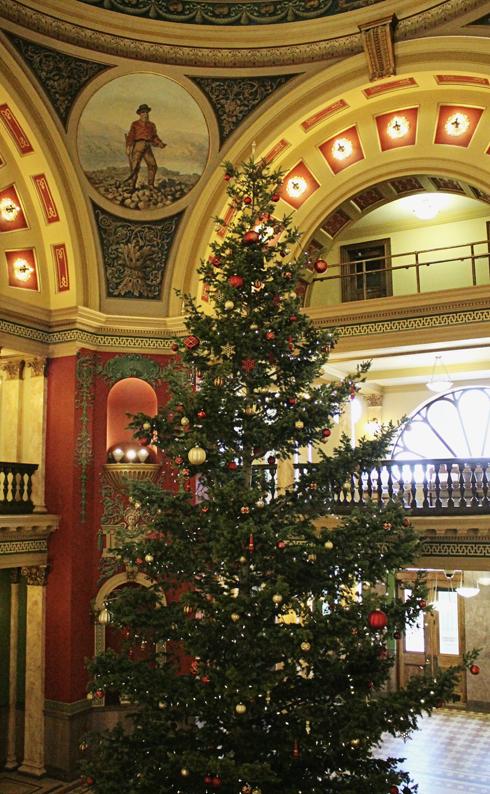 Montana Capitol Building Helena Christmas Tree