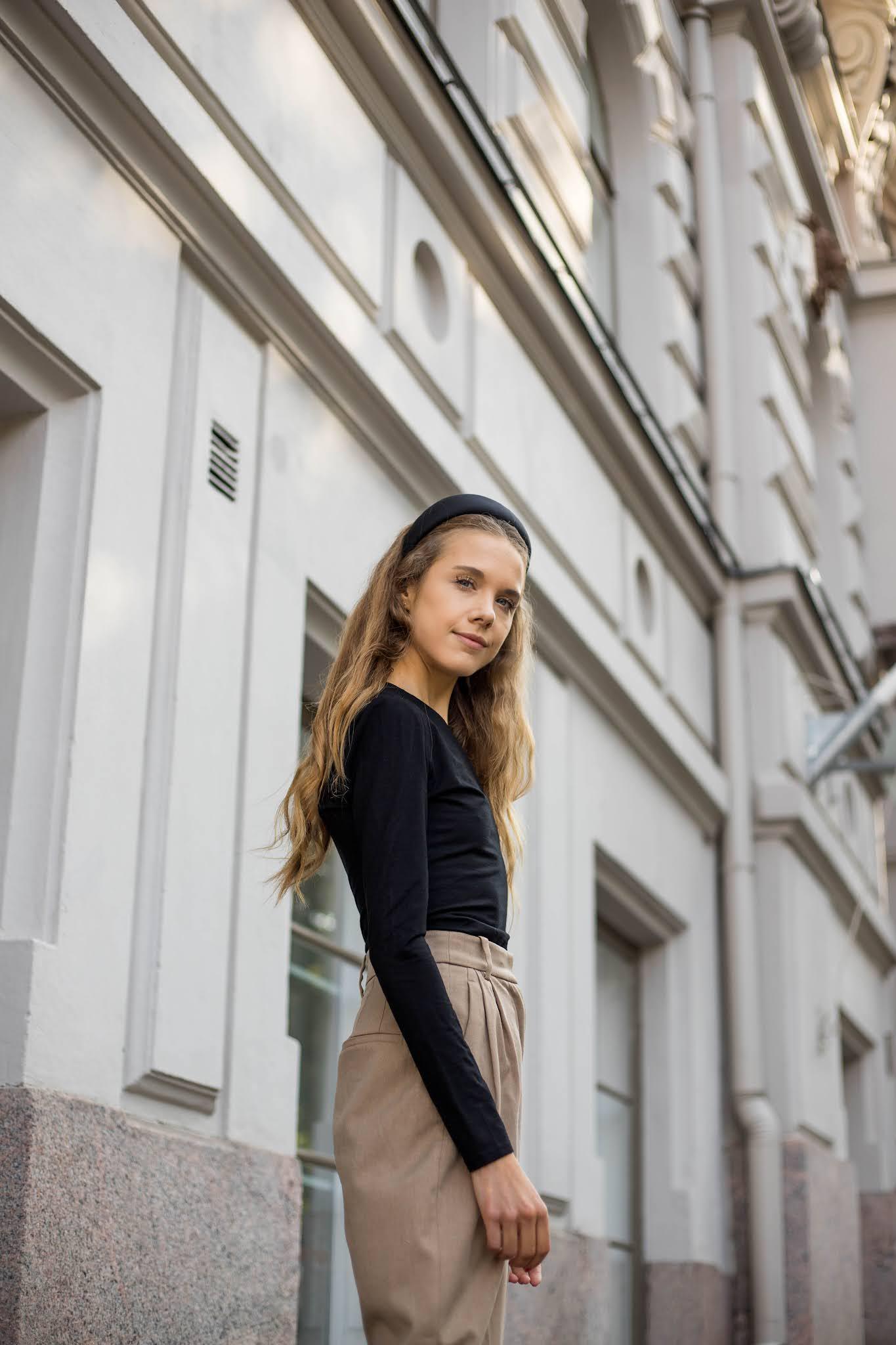 Tyylin kulmakivet, syyspukeutuminen 2021 // Style stapes, autumn fashion 2021