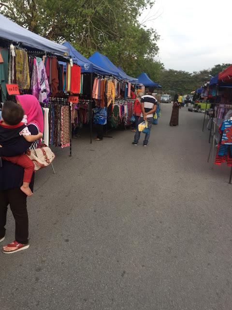 pasar malam, macam-macam ada di pasar malam, pasar malam terkenal, jalan-jalan pasar malam